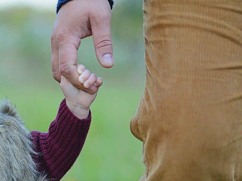 father-daughter_klein